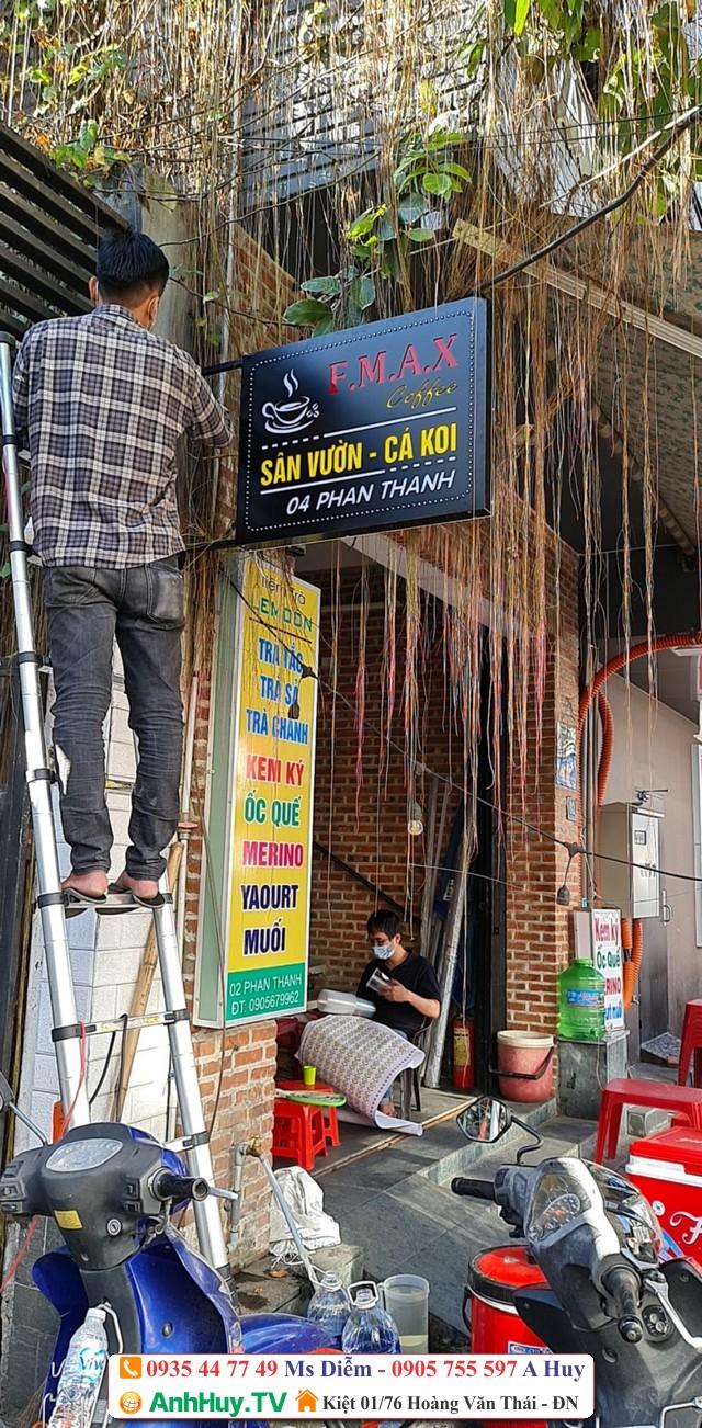 Làm hộp đèn bảng hiệu quán coffee sân vườn cá koi FMAX Đà Nẵng
